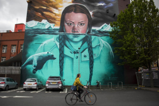 SWNS_THUNBERG_MURAL_006